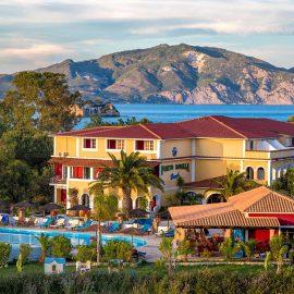 Hotel Porto Koukla Beach - logies en ontbijt